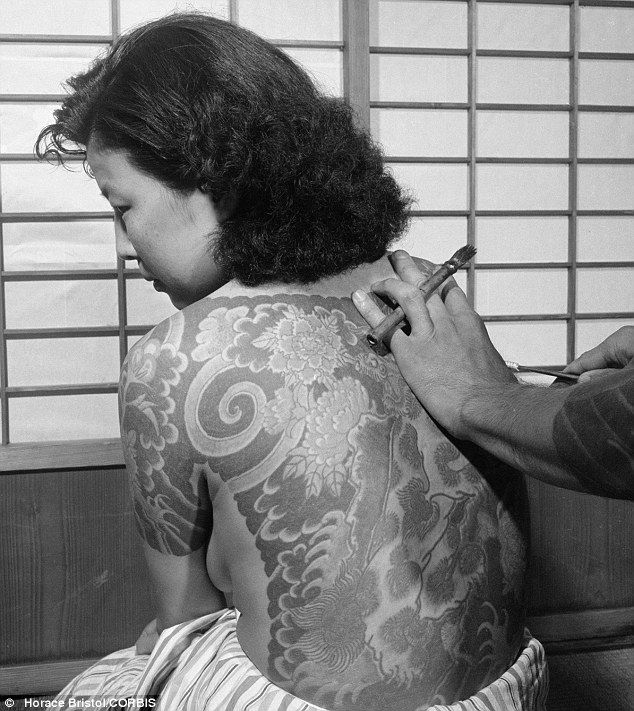 TATTOOED JAPANESE WOMEN | Japan's rebel: The government outlawed tattoos in 1870 as it entered a ...