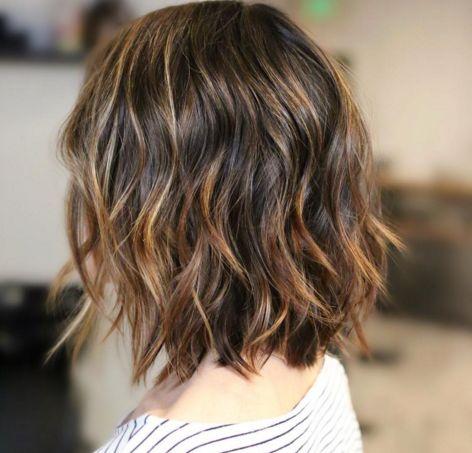 O cabeleireiro de Anne Hathaway e Alexa Chung tem um método curioso para fazer babyliss | Elle
