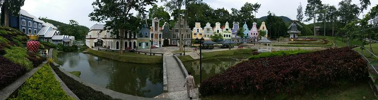 #strawberrytown #rayong #thailand #สตรอเบอรี่ทาวน์ #ระยอง #town #forest #mountain
