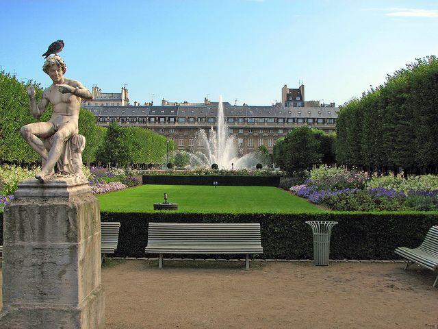 1000 images about jardins paris on pinterest gardens for Jardin royal