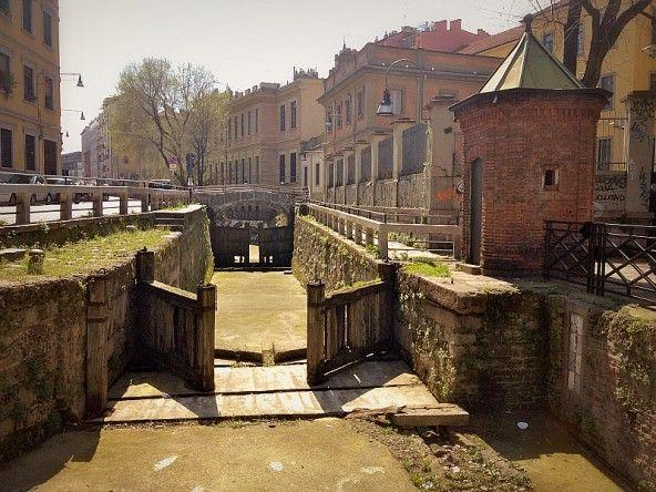 El Tombon de San Marc, alla ricerca dei Navigli scomparsi, via Laghetto, Milano