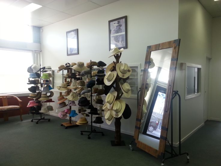 Welcome to Jacaru Australia!  Here are some Summer Lovin and Stetson hats to try on.