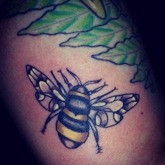 Best 20+ Bumble Bee Tattoo Ideas On Pinterest