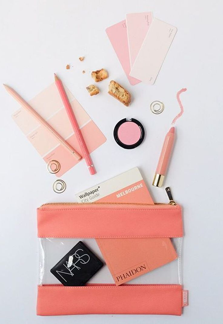 This Be Brave Multi-Purpose Case is just peach - & perfect for make up. Photo by @minkimonides
