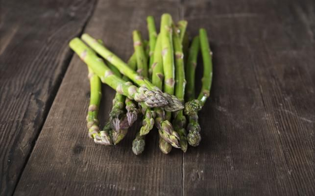 OCT 2015 – CLEAN, GREEN FIGHTING MACHINE – Asparagus is loved for its unique flavour, distinct shape and health giving properties. It has bucket loads of nutritional goodness jam-packed into every spear, including many B Group vitamins, vitamin C and potassium. - See more at: http://organicshopper.com.au/news/clean-green-fighting-machine#sthash.0Eemoq5s.dpuf