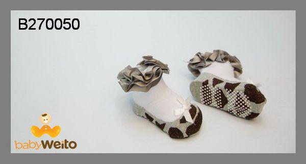 B270050  Kaos kaki untuk umur 0-6m  Bahan halus dan lembut  Warna sesuai gambar  IDR 35*