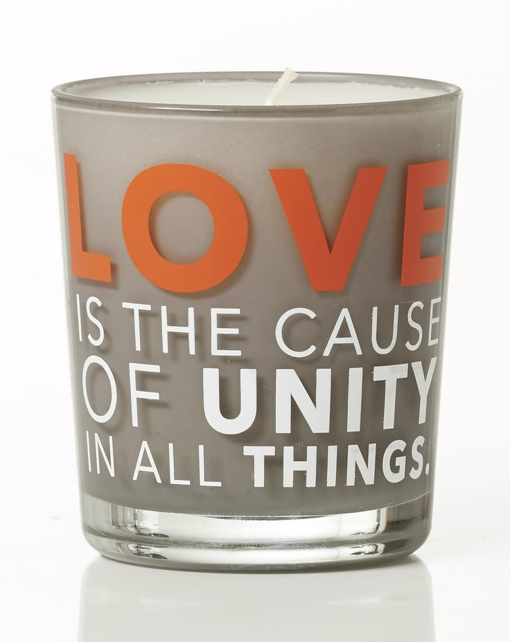Love is the cause of unity in all things. Jasmine scent. Dimension: D8x9cm. Material: paraffin.