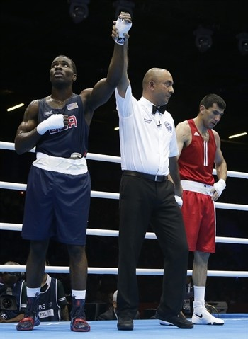 Winner ! USA's Terrell Gausha over Armenia's Andranik Hakobyan.