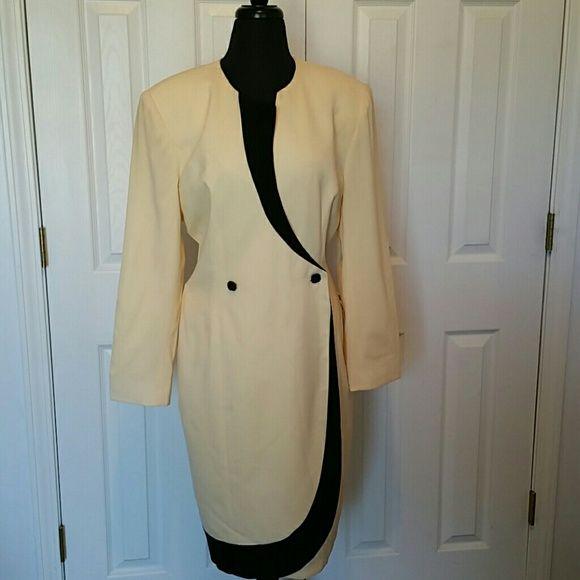 Beautiful chic classic sexy vintage dress Amazing yellow and black dress sexy yet classy what a statement piece Dresses Midi