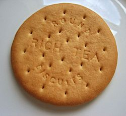 rich tea biscuits - a drink's too wet without one!