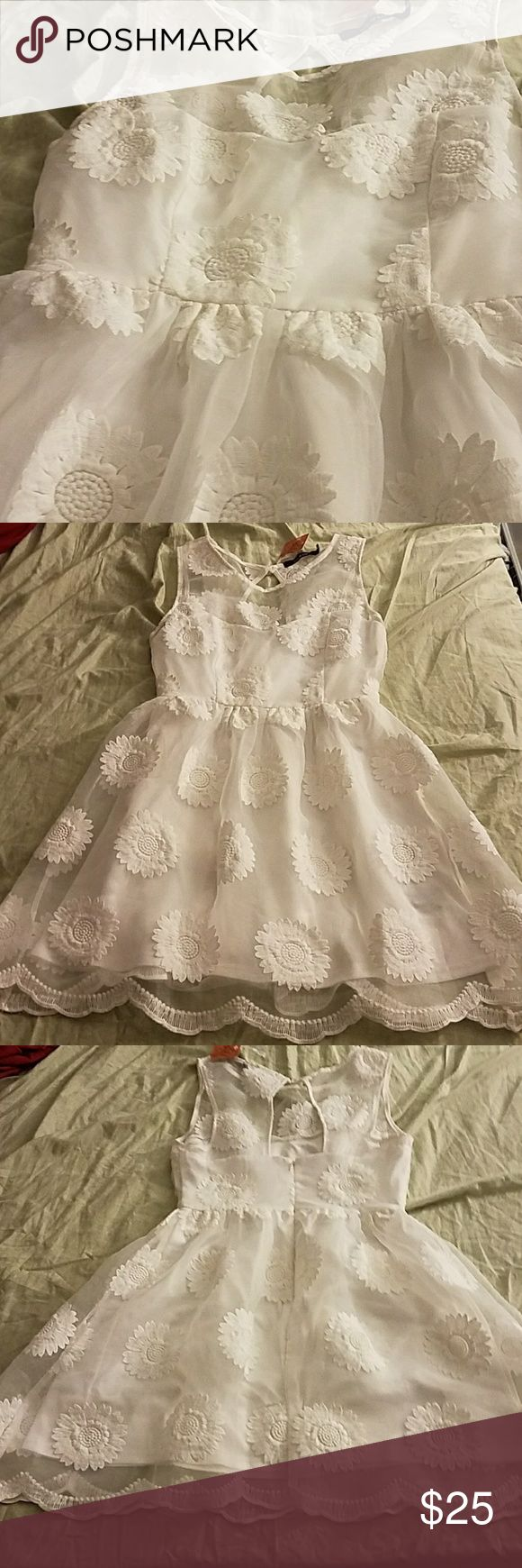NEW Ark & Co White Dress Easter, engagement pictures, bridal shower, or just spring dress Brand new with tag, flowers on the sheer mesh that cover the white underbody Ask me for any measurements 🚭Smoke Free Home🚭 📦Same or Next day shipping📦 Ark & Co Dresses