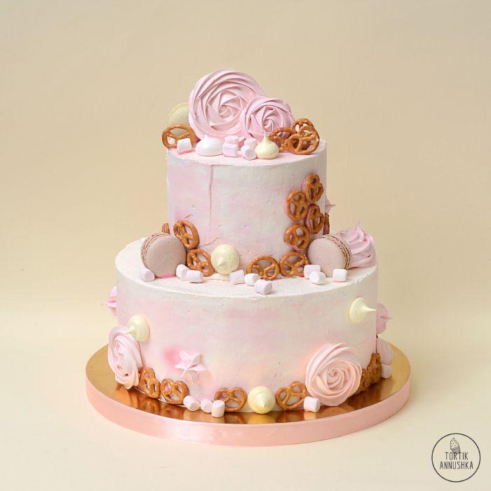 Нежно розовый торт № 1703 на заказ в Москве