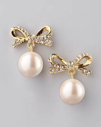 Bows and pearls, Kate Spade. if I hade pierced ears I would so want these.