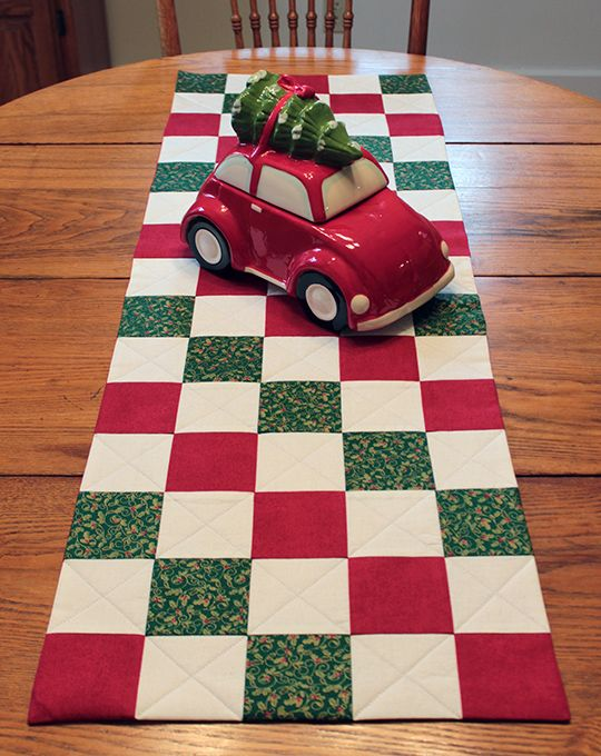 Quilted Christmas Table Runner Tutorial