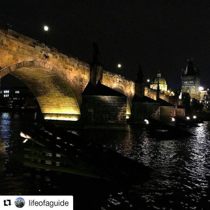 #Repost @lifeofaguide with Charles bridge Prague  Prague by night! Here is the Charles Bridge seen from Vltava the river running through the city. #beautiful #amazing #visitprague #guidetips #guidelife #travel #traveltips #travellife
