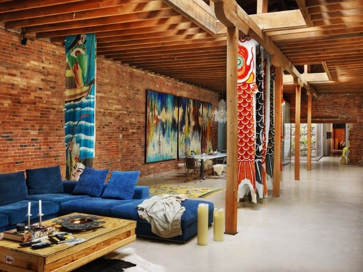 Beams and supports. Heritage Building by Omer Arbel