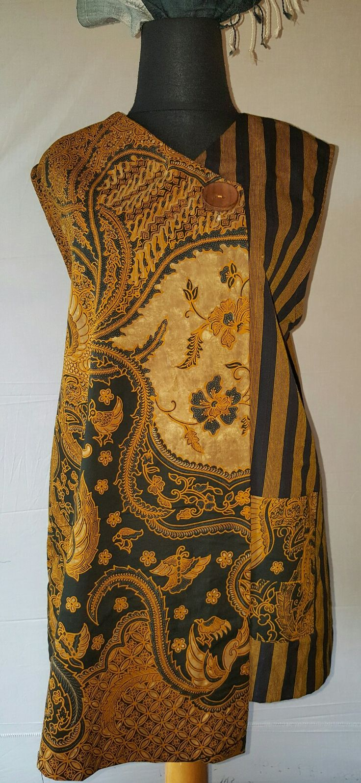 Lurik klasik + batik sogan Www.giantifashion.com