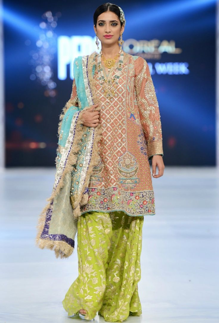 '12 looks from #Pakistan bridal week (Oct, 2016) that we'd actually wear'.. PFDC L'Oréal Bridal Week has come and gone, leaving winter brides spoiled for choice.