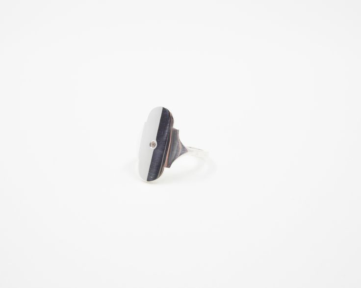 Chic silver ring