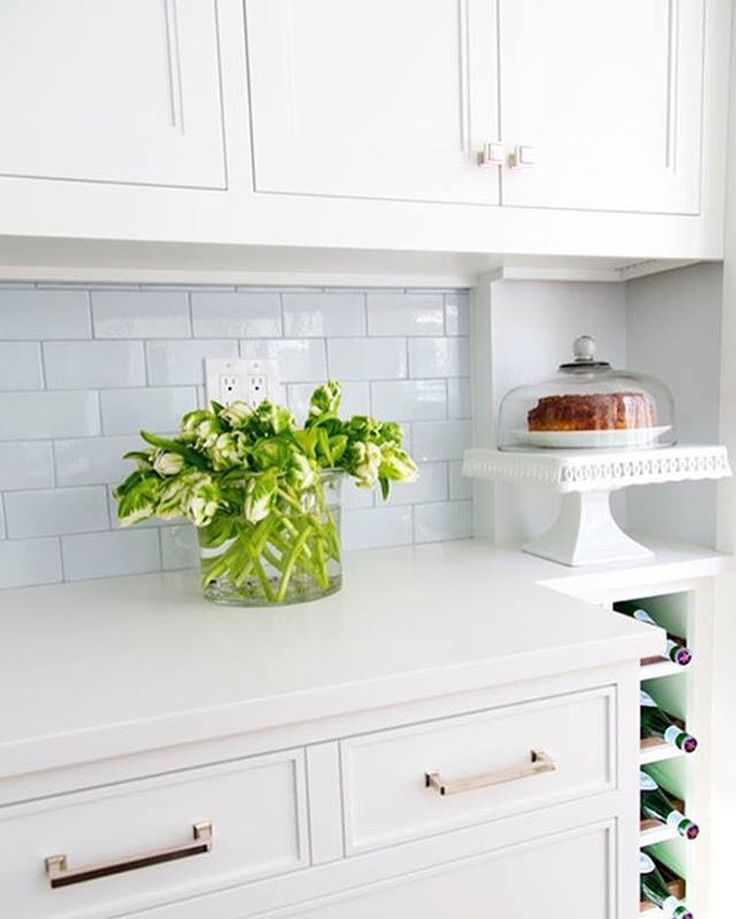 Best Updating Your Cabinets With Benjamin Moore S Chantilly 400 x 300