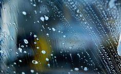 <p>Bonito e resistente, o vidro blindex tornou-se o material mais utilizado para box de banheiros, portas e janelas de vidro no acabamento de uma casa. Sendo assim, os blindex estão expostos a muita poeira, manchas de produtos utilizados no banho e marcas de mão. Já aprendemos a limpar vidros comuns …</p>