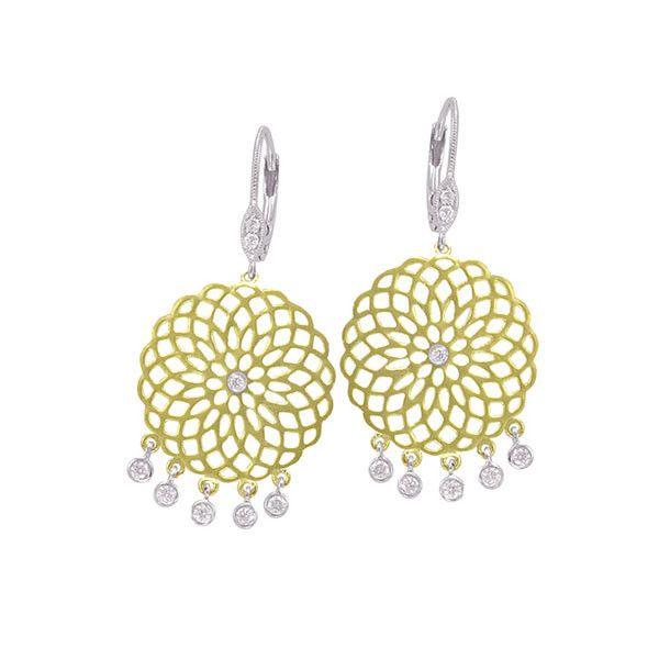 Bloemetjes van geel goud en diamanten. #oorbellen #MeiraT is te koop bij Rob Lanckohr, Atelier voor Juwelen. www.lanckohr.nl