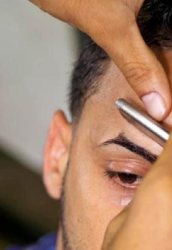 5 Eyebrow Grooming Options for Men