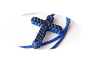 How to Make a Paracord/Macrame Cross Bracelet by CreationsByS