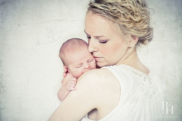 Mother baby photo - LOVE!! newborn photography