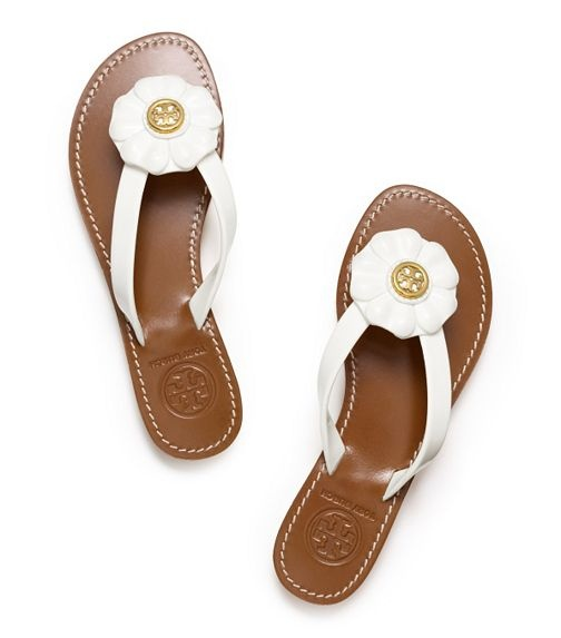 Enter the world of Tory Burch fashion at flirtation.ga See our guide to the latest styles in Tory Burch shoes, clothing & accessories. Free shipping & returns.