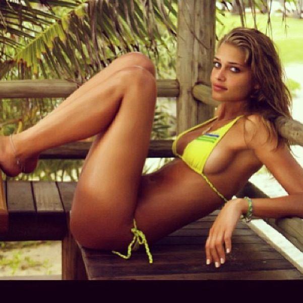 Gallery Erotica Ana Beatriz Barros Brazil  nudes (11 fotos), Snapchat, cameltoe