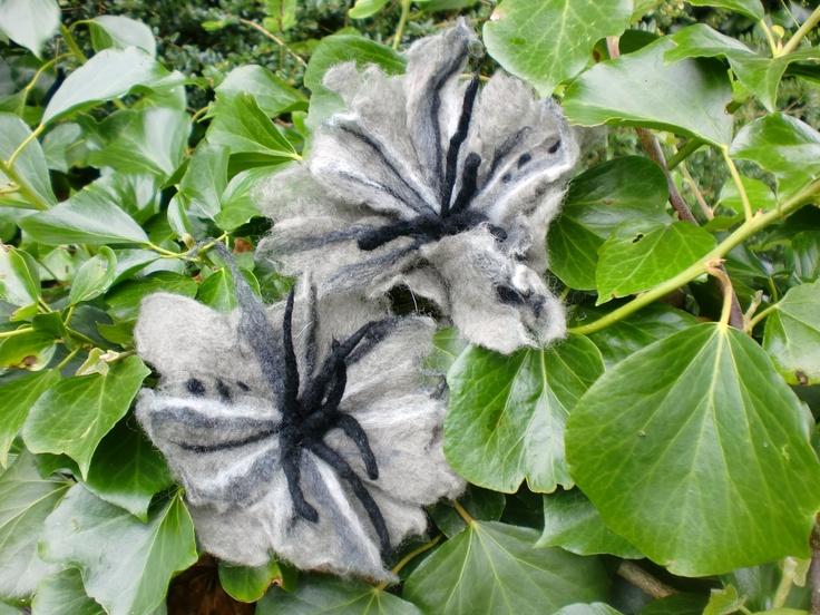 Grey flowers?!!? ... :P :)