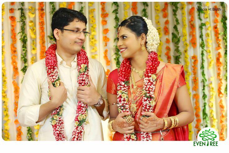 #BrideGroom #HinduCouples #HinduWedding #CandidPhotogrphy , #StageDecor #WeddingPhotographyKerala   #Eventree www.eventree.events