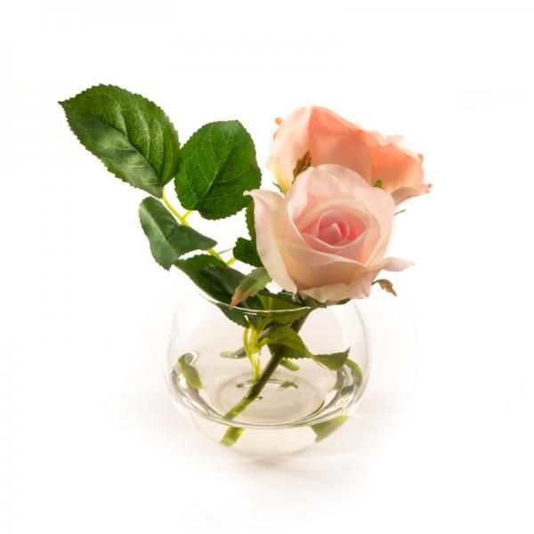 Light pink roses in a small fishbowl in still water. Height 14cm. €13.50