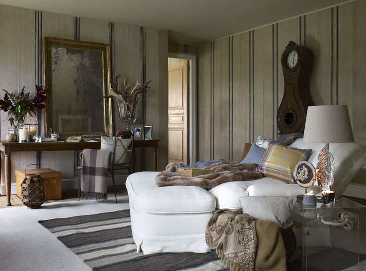 Cozy Bedroom Corner From Zara Home Love The Chaise And Animal Fur Blanket