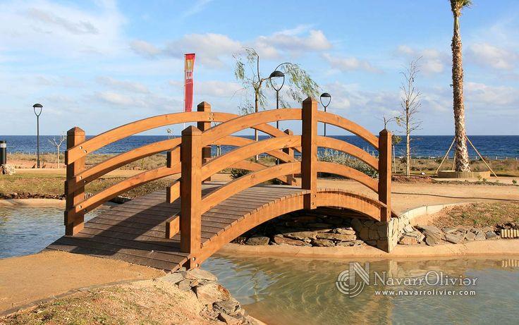 Pasarela de madera curva. San Juan de los Terreros, Pulpí, Almería.  Diseño y construcción www.navarrolivier.com
