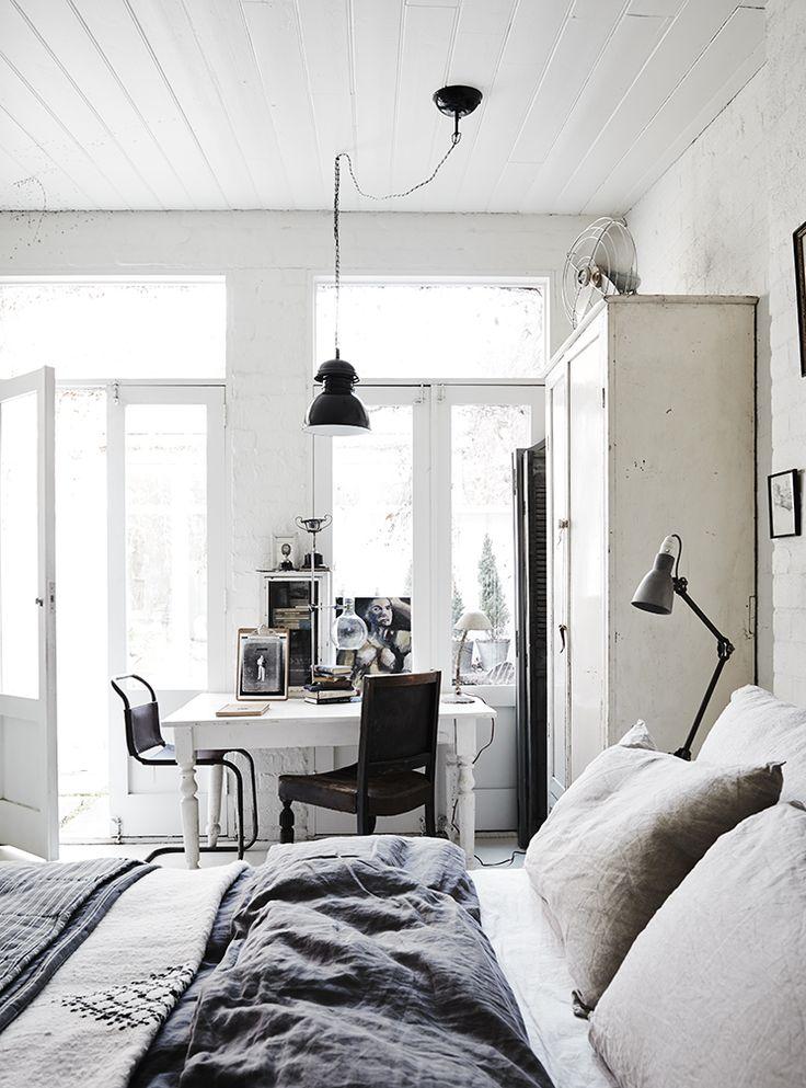 The White Room Lookslikewhite Modern Vintage Bedroomsmodern