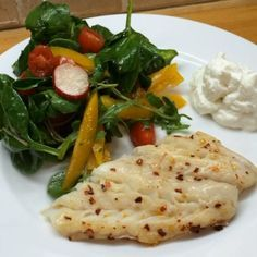 Try this #leanin15 Cod cooked in @lucybeecoconut with a sexy salad & a dollop of @totalgreekyoghurt  #LowCarb #HighProtein #dinner #food #tasty #foodie #90daysssplan #teamlean2014 #thebodycoach #fitfam #fish #fitspo  Please Hit like if you enjoy my video meals so more people can see them!