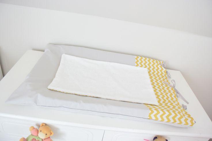 Housse de matelas à langer jaune et gris by chahome