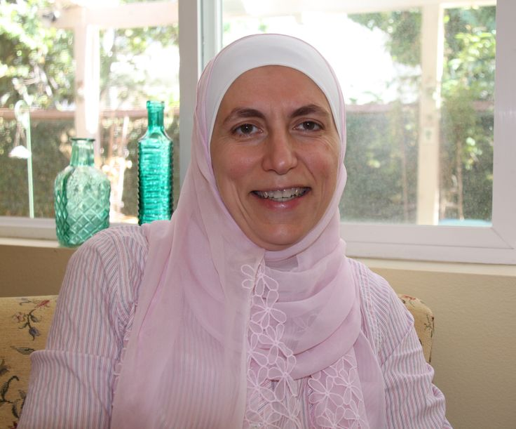 Noha AlShugairi. Read the interview with the marriage and family therapist at Mosaic #muslimwomen #mosaic #therapist