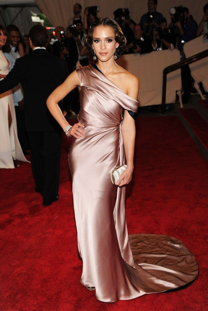 Jessica Alba's Sophie Theallet for Gap gown is one of the all-time best dresses from the Met Gala red carpet.