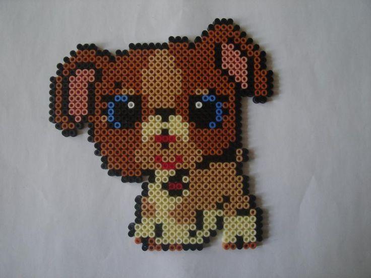 Petit chien Petshops aux yeux bleus par isabelle8119, il vous faut 3 plaques carrées pour le réaliser (Création n°34,103 vue 10,545 fois). Création de la galerie Perles à repasser Hama - Creavea