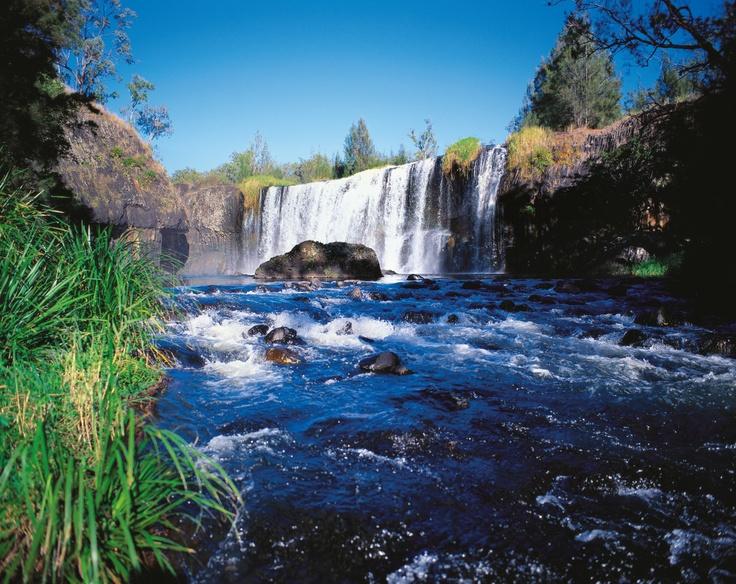 Millstream Falls #nationalpark #AthertonTablelands #Queensland #waterfall