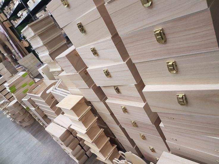 Νέες παραλαβές σε ξύλινα αντικείμενα..