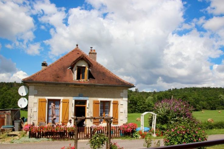 Lock house along the Burgundy Canal on European Waterways' L'Impressionniste hotel barge holiday