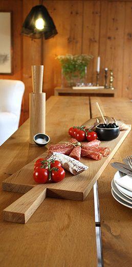 Brotzeitbrett mit Griff, aus Ahorn oder Eiche Die Holzbretter für Vesper oder Brotzeit sind puristisch im Design und praktisch in der Handhabung. Wir sagen einfach schön...