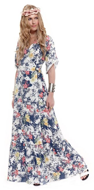 Magnetize all eyes on you with an outstanding maxi floral dress!