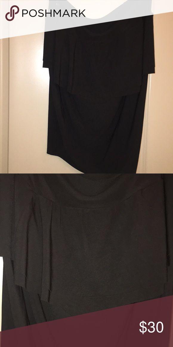 Peplum skirt Black peplum skirt. Skirt goes pass my knees and I'm 5'10. torrid Skirts