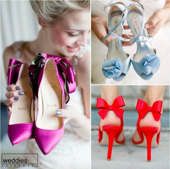 Zarif modelleri ve zevkli detayları ile rengarenk ayakkabılar bu yaz da gelinlerimizin başını döndürecek gibi görünüyor. 🎀  With elegant models and tasteful details, colorful shoes will seem to turn heads of our lovely brides this summer. 🎀