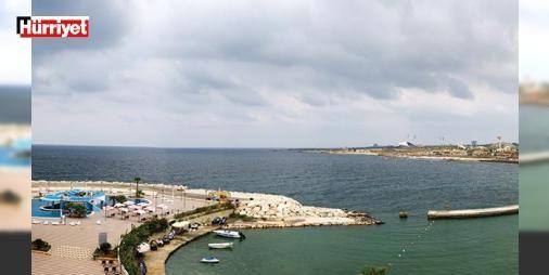 Issız Sayfiye: Suriye'nin Akdeniz kıyısındaki Sayfiye şehri Lazkiye bir zamanlar plajları ve otelleriyle meşhurdu. Şimdiyse plajlar ıssız. Turistlerin yerini iç göçmenler almış. Üç plaj gezdik. Sosyete plajı Cote d'Azur'da elitlerle, Filistin kampının bulunduğu 'Güney Sahili'nde halkla ve kumdan heykellere ev sahipliği yapan '#sanat Plajı'nda #sanatçılarla konuştuk.